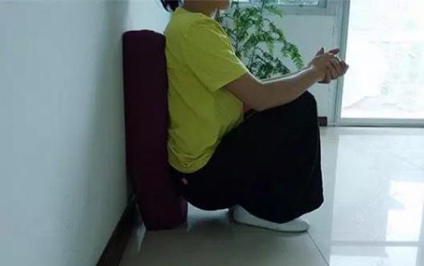 ngồi xổm sau sinh